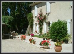 Provencal-bed-and-breakfast-Chambre-d'hote-Courthezon